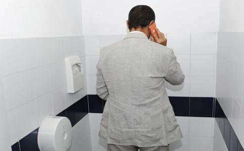 蹲着小便能保护前列腺吗